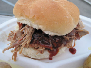 Slow Cooker Texas Pulled Pork Sandwich